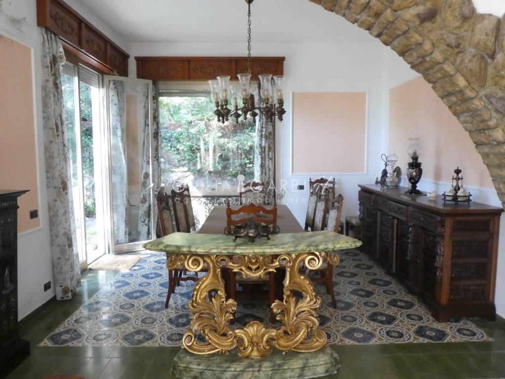 Vasca Da Bagno Spagnolo : Lady liguria. lerici. villa spagnola per chi ama lesclusività delle