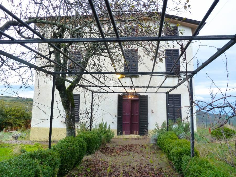 Case Di Campagna Colline Piacentine : Colline piacentine alta val d arda parco monte moria bella casa