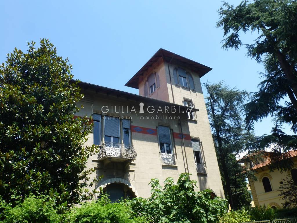 Lady liguria sarzana liberty style grande villa con for Foto di ville