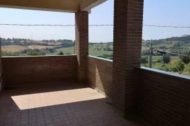 gradara-trilocale-con-terrazza-e-box-14.jpg