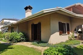 imm-brescia-villa-1977-30---copia---copia.jpg