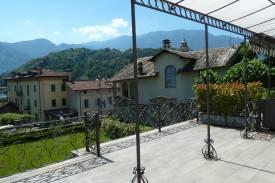 lago-como-lenno-appartamento-con-ampio-terrazzo-in-villa-dei-tigli-17.jpg
