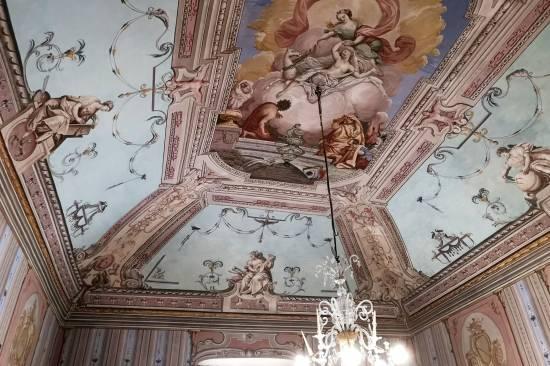 liguria-savona-albenga-palazzo-storico-13.jpg