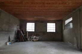 pavia-casteggio-casa-indipendente-magazzino-laboratorio-corte-6.jpg