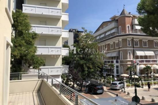 romagna-appartamento-nuovo-terrazzo-box-85-1.jpg